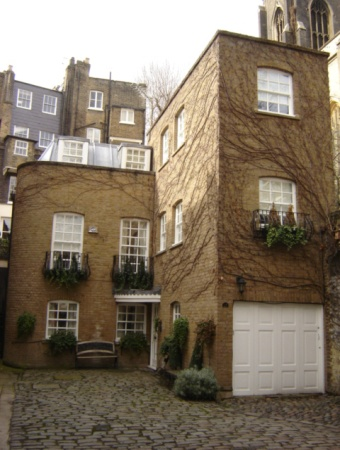 Wilton Row, London W1